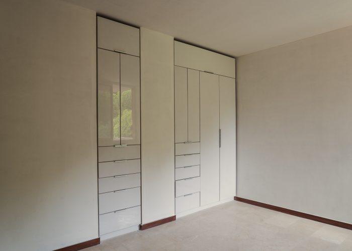Edificio Cima Bosque closet